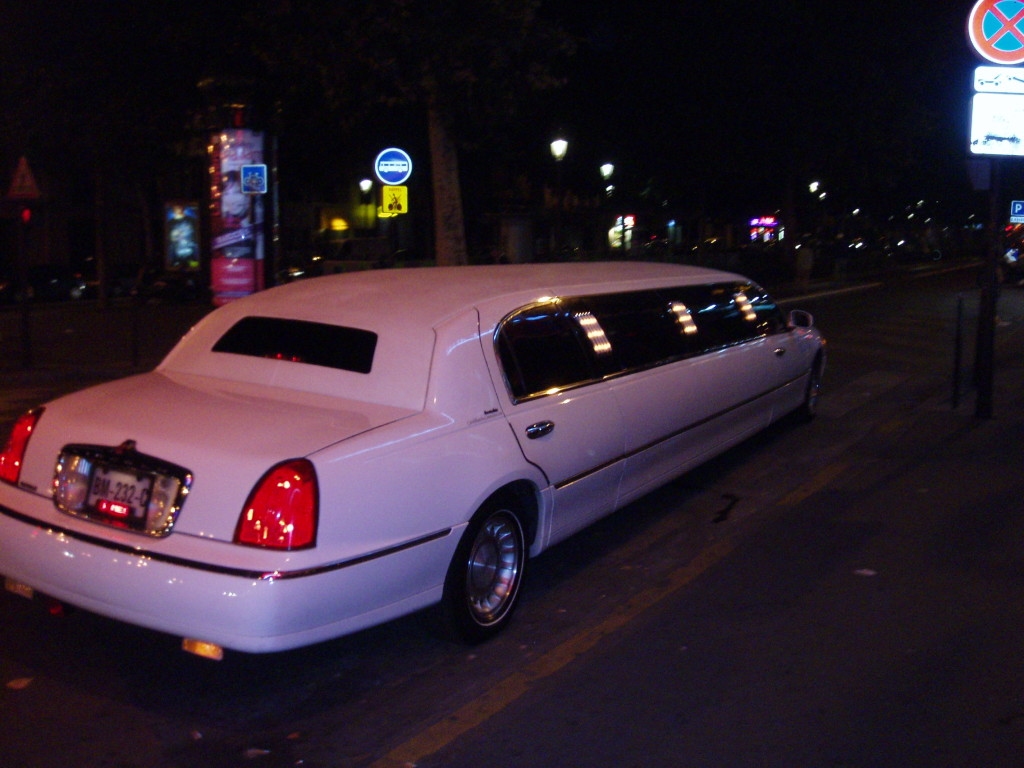 Paris Limo Shuttle