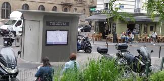 Self Washing Toilet Paris
